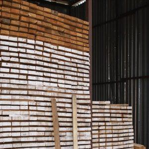 Доска строганная из лиственницы толщина 40мм