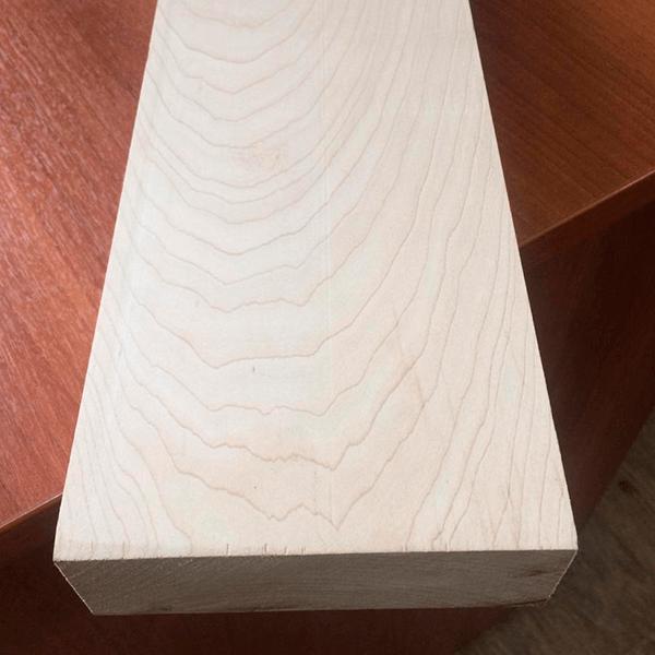 Обрезная доска из клёна